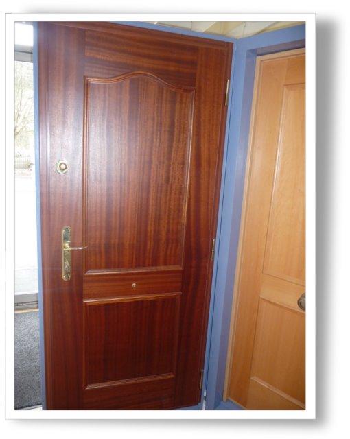 fenster fermetures fen tres portes d 39 entr es portes de garage 25000 besancon. Black Bedroom Furniture Sets. Home Design Ideas